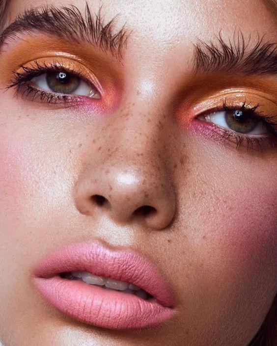 cejas pobladas, wild eyebrows, messy eyebros, tendencias de belleza, beauty, belleza, cejas gruesas, cejas pobladas, beauty tips, tips de belleza, tendencia, trend, revista, moda, magazine