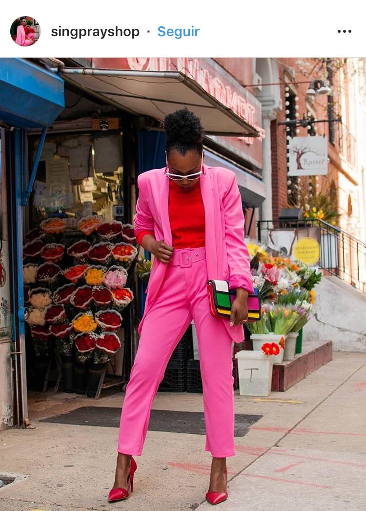 combinacion de colores color match street style fucsia rosa rosa palido rosado rojo red pink fashion lover fashionista moda fashion tendencias trend revista magazine blazer
