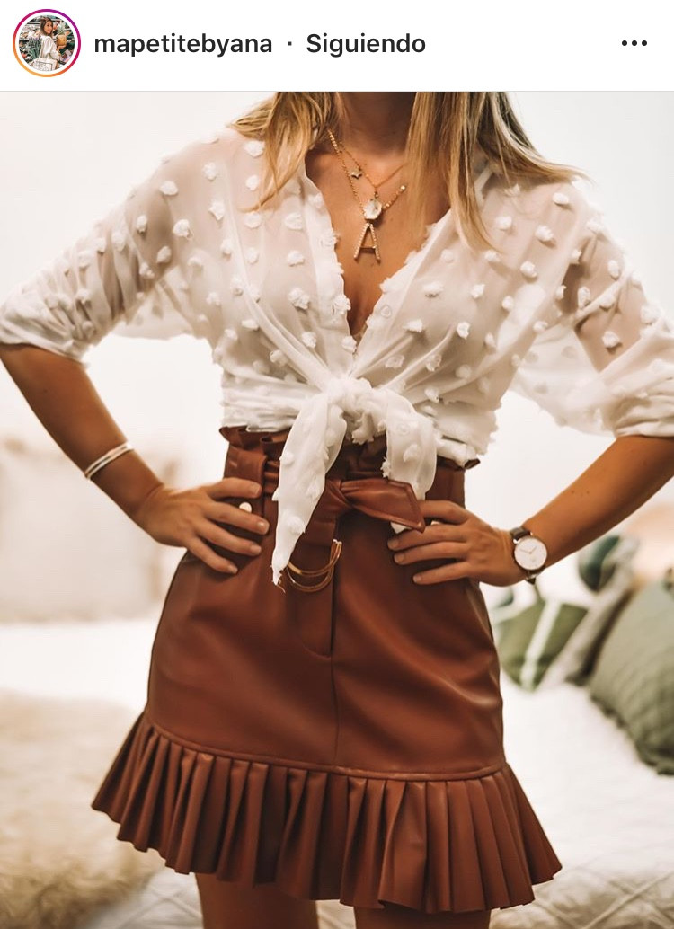 falda de cuero leather skirt maxiskirt minifalda fashion moda tendencia trend revista magazine outfit inspo blogger must have ropa femenina mujeres fashionista