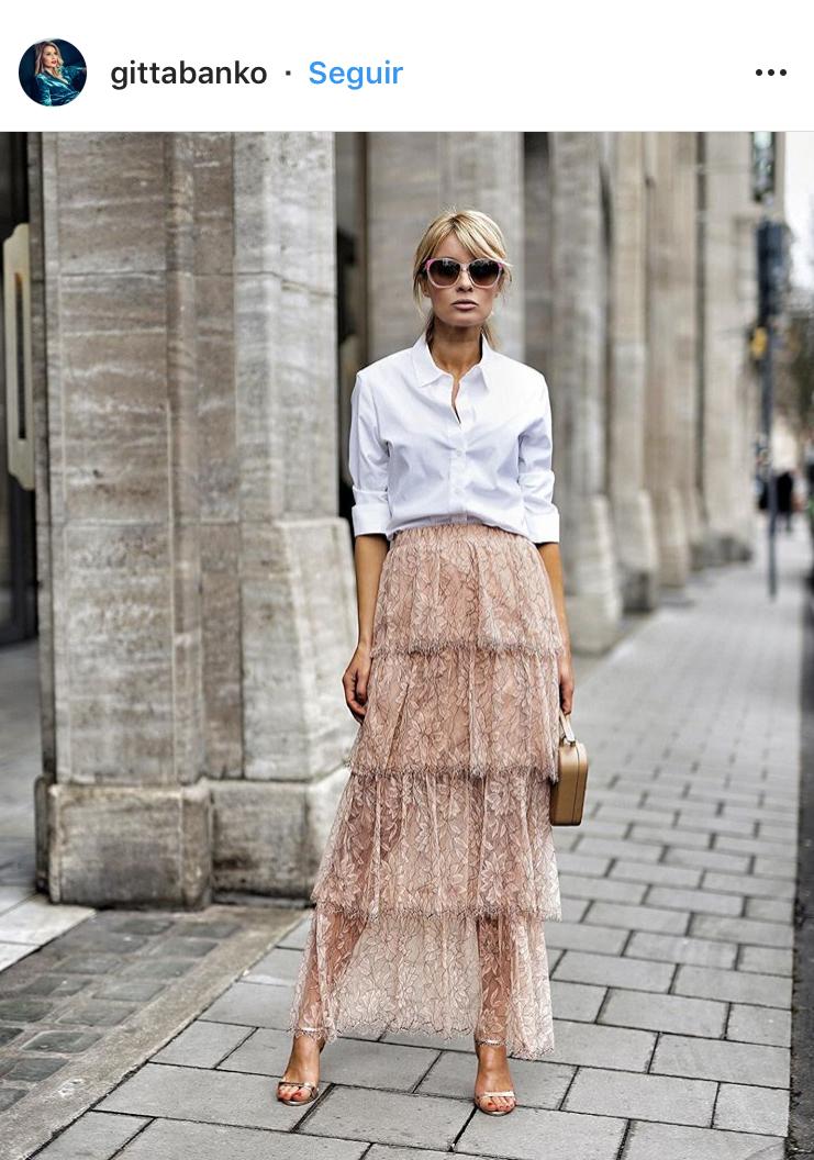 encaje trends fashion trends moda 2019 tendencias lace falda de encaje lace skirt chic look urbano look del dia