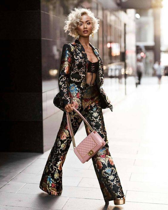printed pants floral pants pantalones de flores estampados floral flores flower pants satin pant satin pantalones de satin outfit inspiracion moda fashion girly