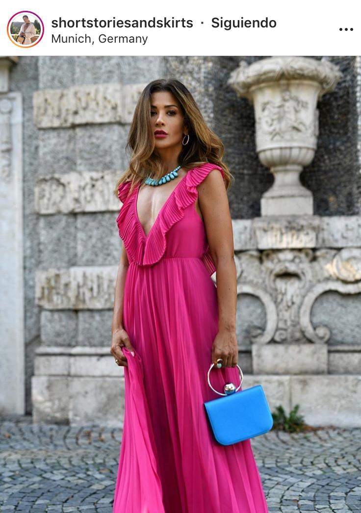 fucsia pink fashion tips moda tendencia rosado neon outfit inspiration look del dia fashion lover fashionista revista magazine panama