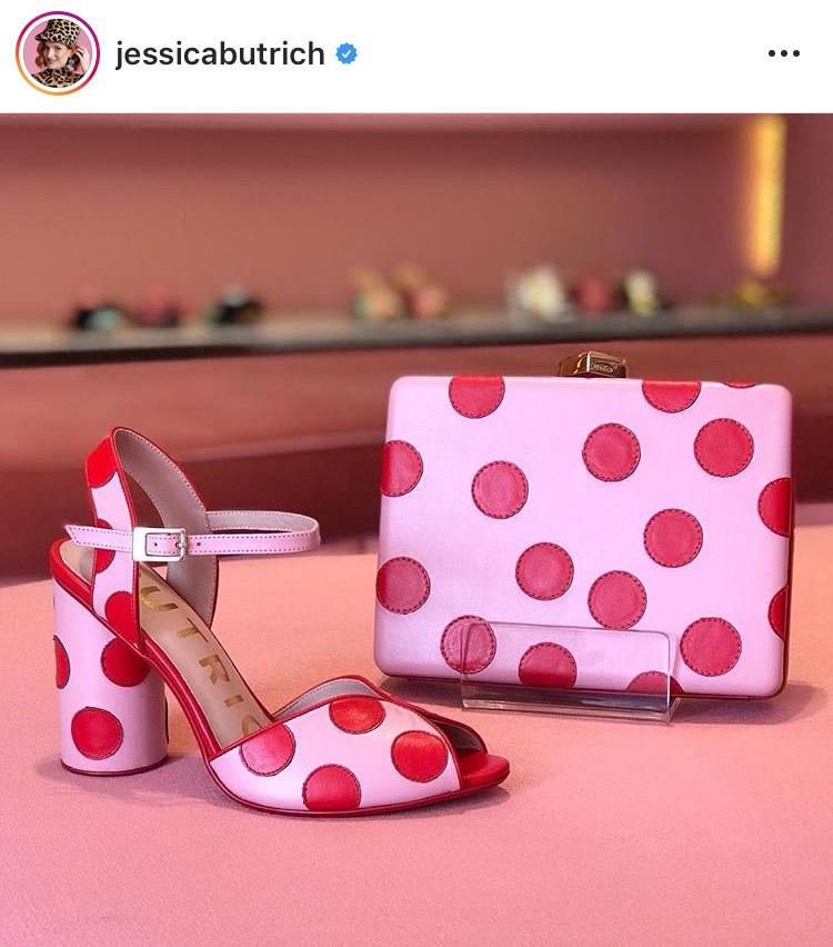 combinacion de colores color match street style fucsia rosa rosa palido rosado rojo red pink fashion lover fashionista moda fashion tendencias trend revista magazine zapatos carteras jessica butrich