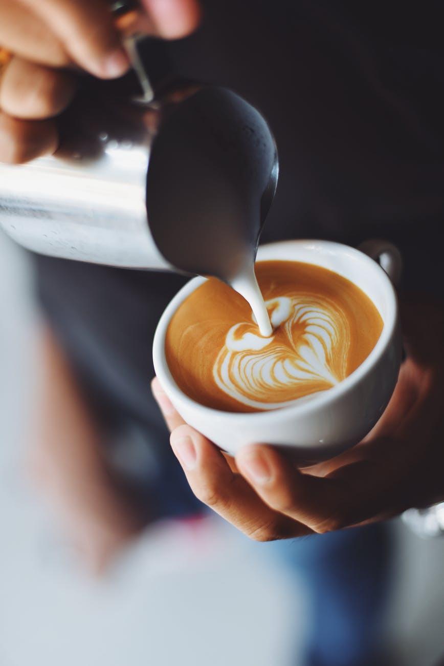 cafe coffe amigas friends date granos de cafe lifestyle bogota miami venezuela panama mejores lugares cafe noisette jazz musica