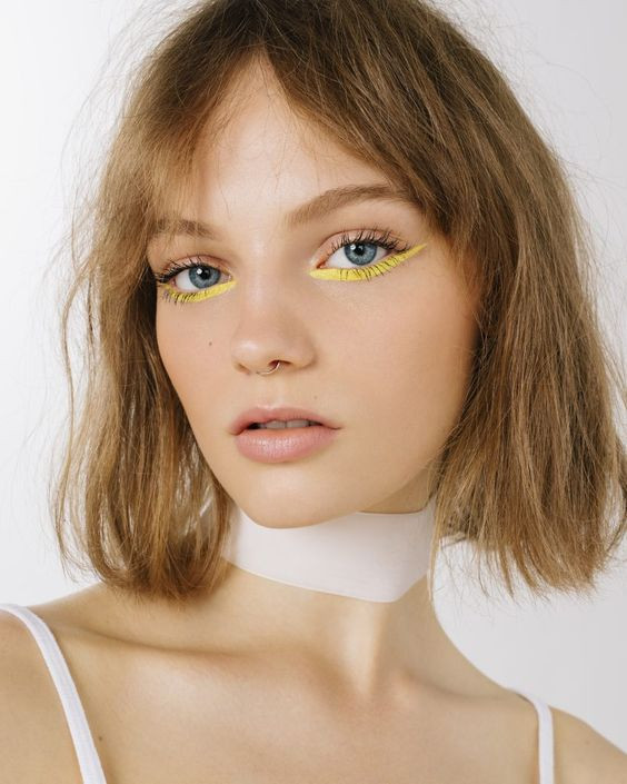 delineado colores cat eye colorful makeup maquillaje tendencias trend fashionista fashion lover belleza beauty magazine revista panama pty
