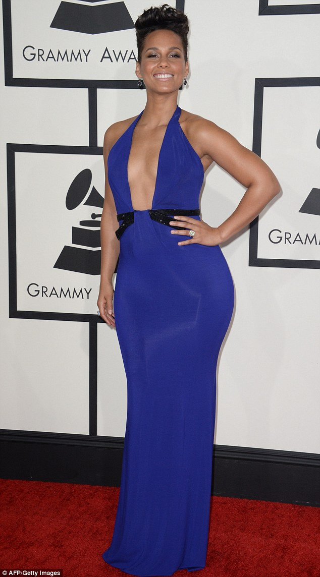 cuerpo de pero figuras femeninas como vestirse how to dress body cuerpo de triangulo estilista stylist estilismo mujeres con curvas