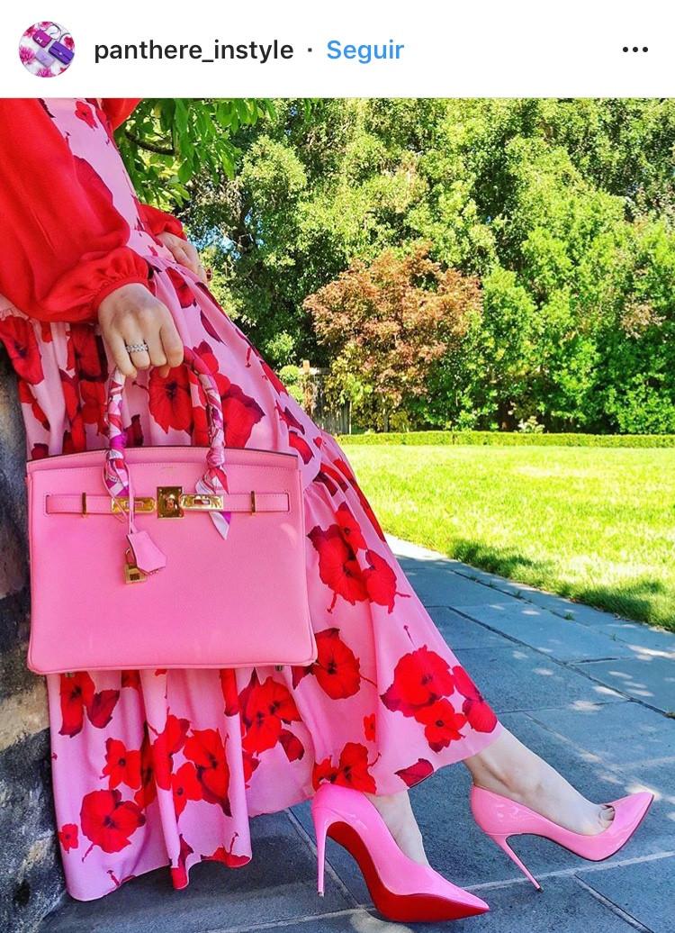 combinacion de colores color match street style fucsia rosa rosa palido rosado rojo red pink fashion lover fashionista moda fashion tendencias trend revista magazine floral print