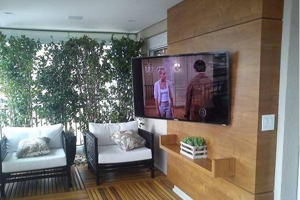 instalação de suporte tv no painel madei