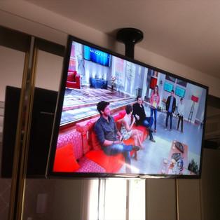 instalador de tv led no suporte.jpg