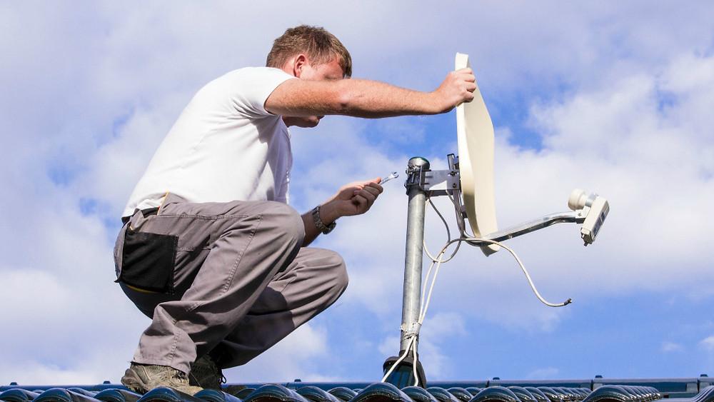 instalador técnico de antena para pegar canal de portugal rtpi , antenista instalador de antena mini parabólica satelite 63w telstar14 instalação de antena digital parabólica, manutenção ajuste de sinal em geral