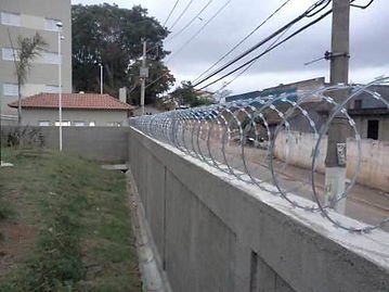 instalador de cerca concertina perimetral zona leste norte sul instalação recidencial cercas eletricas concertina perimetral instalação sp
