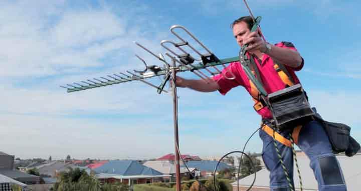 Técnico em manutenção de antena para Tv digital sem sinal e congelando instalação e manutenção de antenas uhf hdtv externa digital conversor , instalador de antena digital sp.