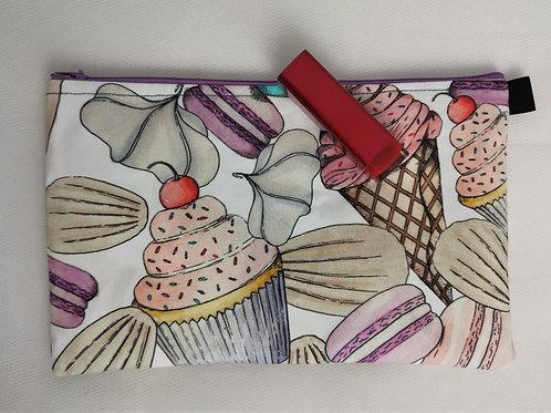 Cupcakes and Macarons