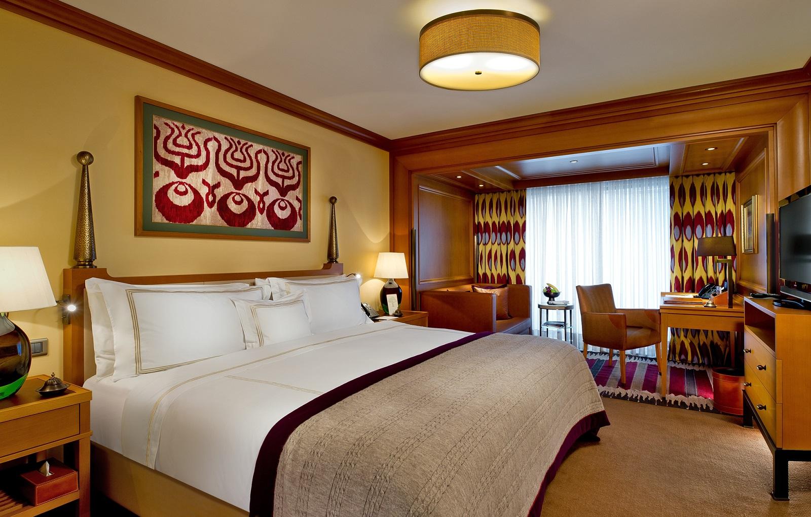 DIVAN HOTEL