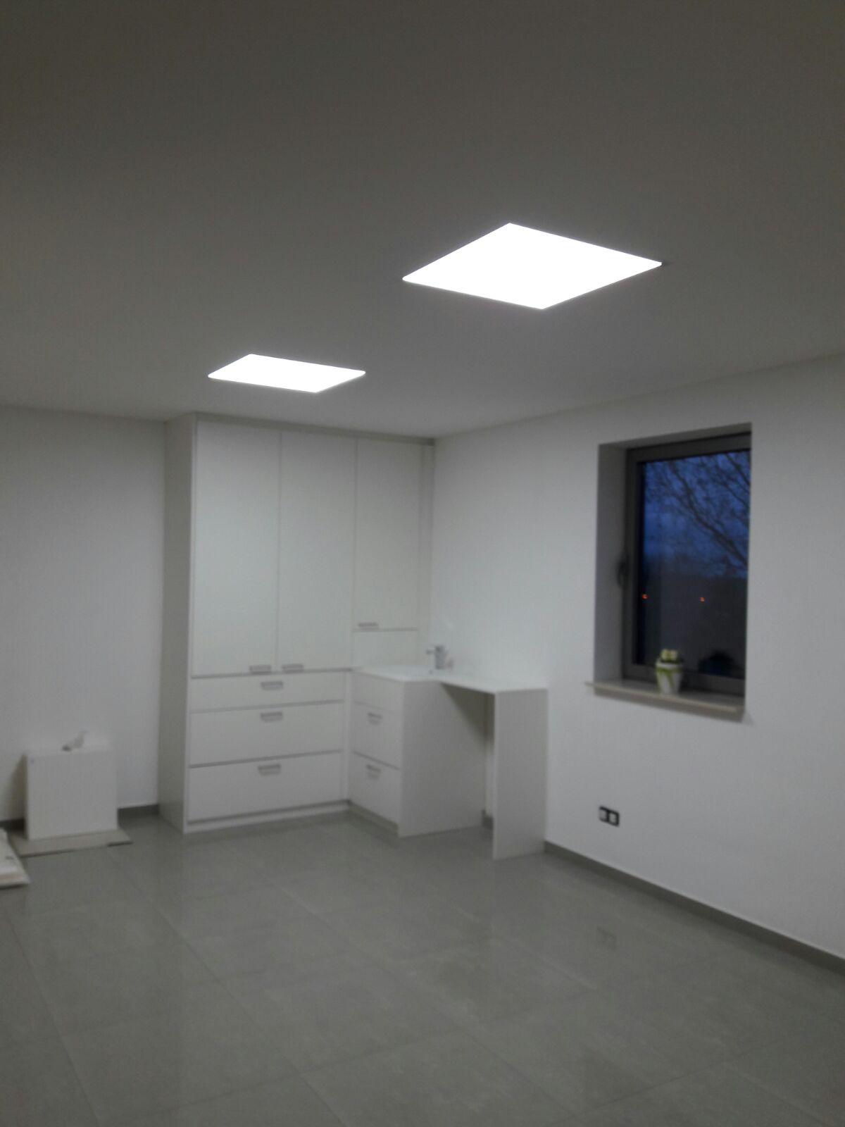 spanplafond werkruimte met ledpanels