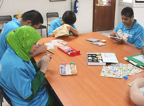 Visually impaired artists uses their sense of touch to draw, colour and paint on various materials such as cloth and paper.