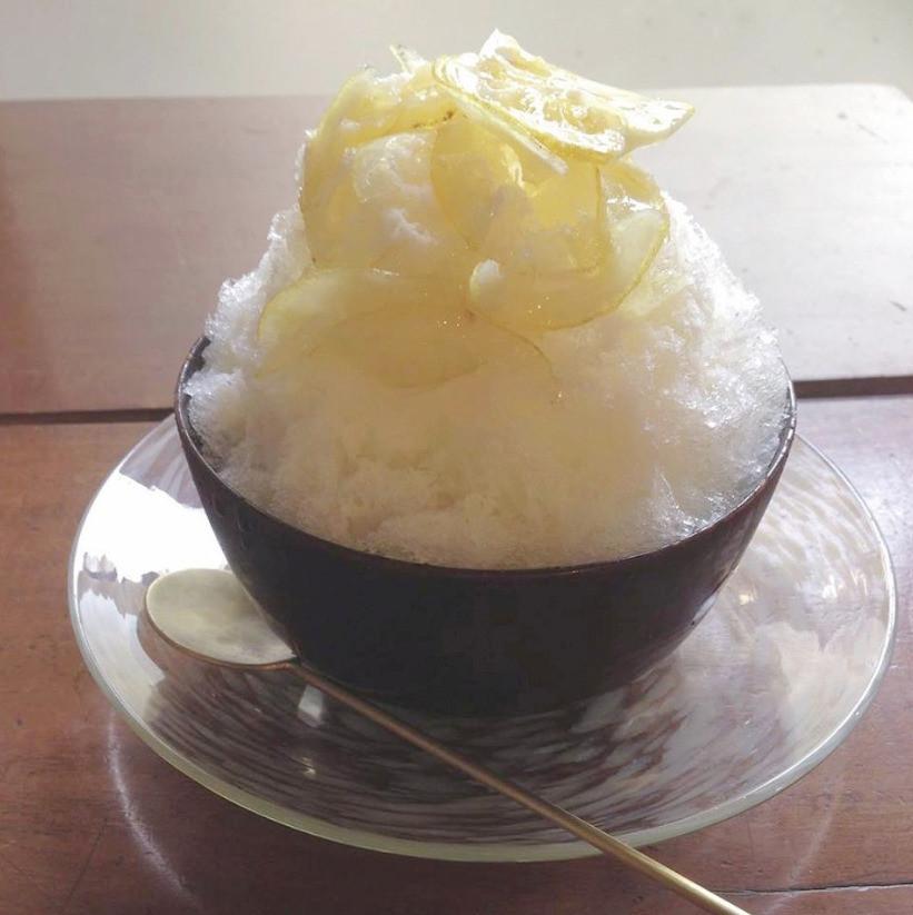 スノウドロップのかき氷 レモン練乳