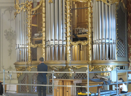 Die Orgel nimmt Form an