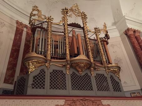 Alte Orgel ausgebaut