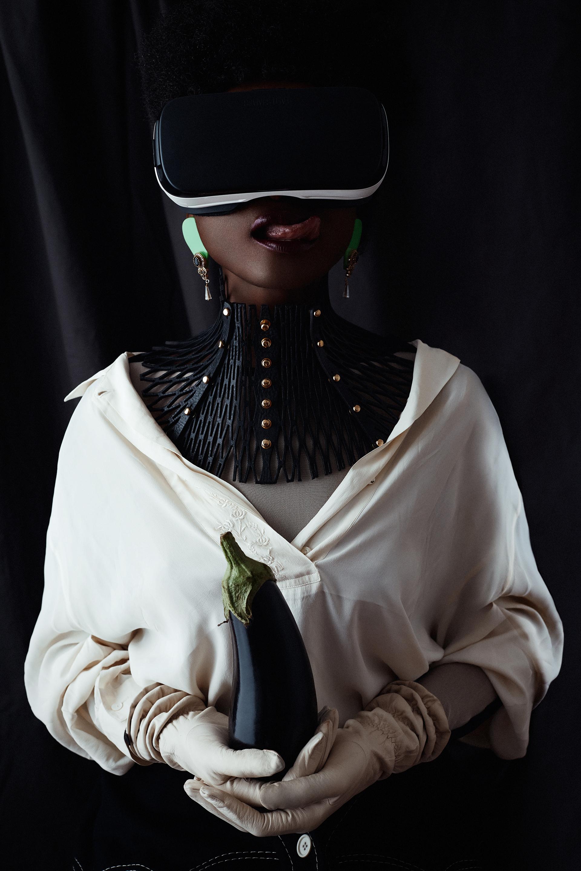 6 - Virtual Reality -Renaissance Jute