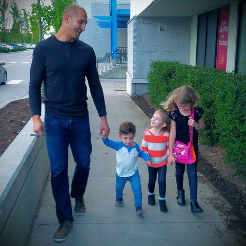 Marco Iannuzzi with his 3 children