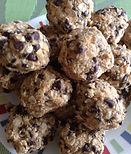 peanut butter healthy balls1.jpeg