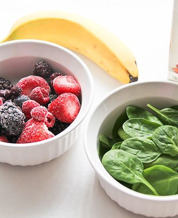 berry banana spinach smoothie.jpg