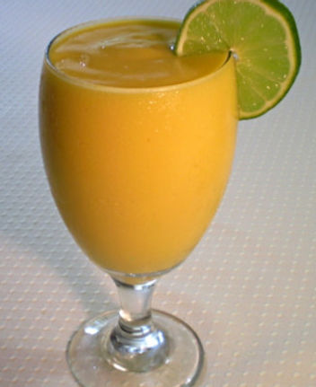 mango lime refresher smoothie.jpg