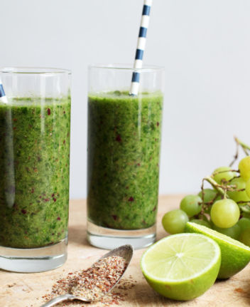 key lime with grapes smoothie