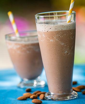 Chocolate_Almond_Banana_Smoothie.jpg
