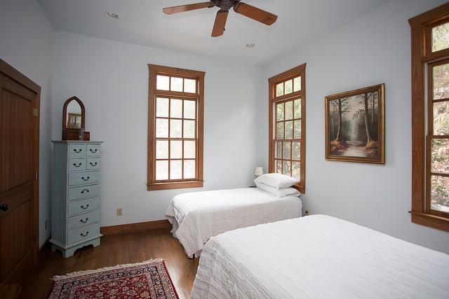 Sun Trail Room