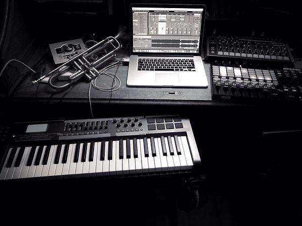 Etienne C Royal  live set up.jpg
