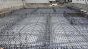 ☆☆現場便り☆☆東淀川区の作業所も耐圧盤と基礎梁の配筋を行っています。コンクリート打設に向けて次工程の型枠工事も進めます。