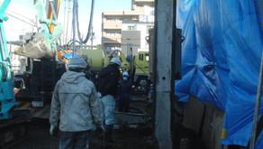 ☆☆現場便り☆☆ 黒門町(作)現在杭工事を継続中で、23日終了予定です。その後掘削横矢板入れ作業の一部を予定しています。
