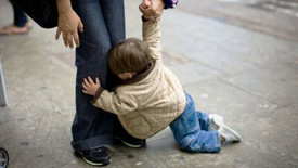 7 Strangers Show The World How To Handle A Kid Having A Public Meltdown