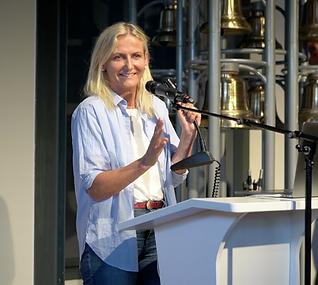 Astrid Stuckelberger.png
