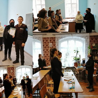 Нагородження грамотами переможці виставки ілюстрацій до творів Т.Г.Шевченка!