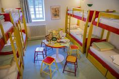 Une chambre dortoir 8 lits