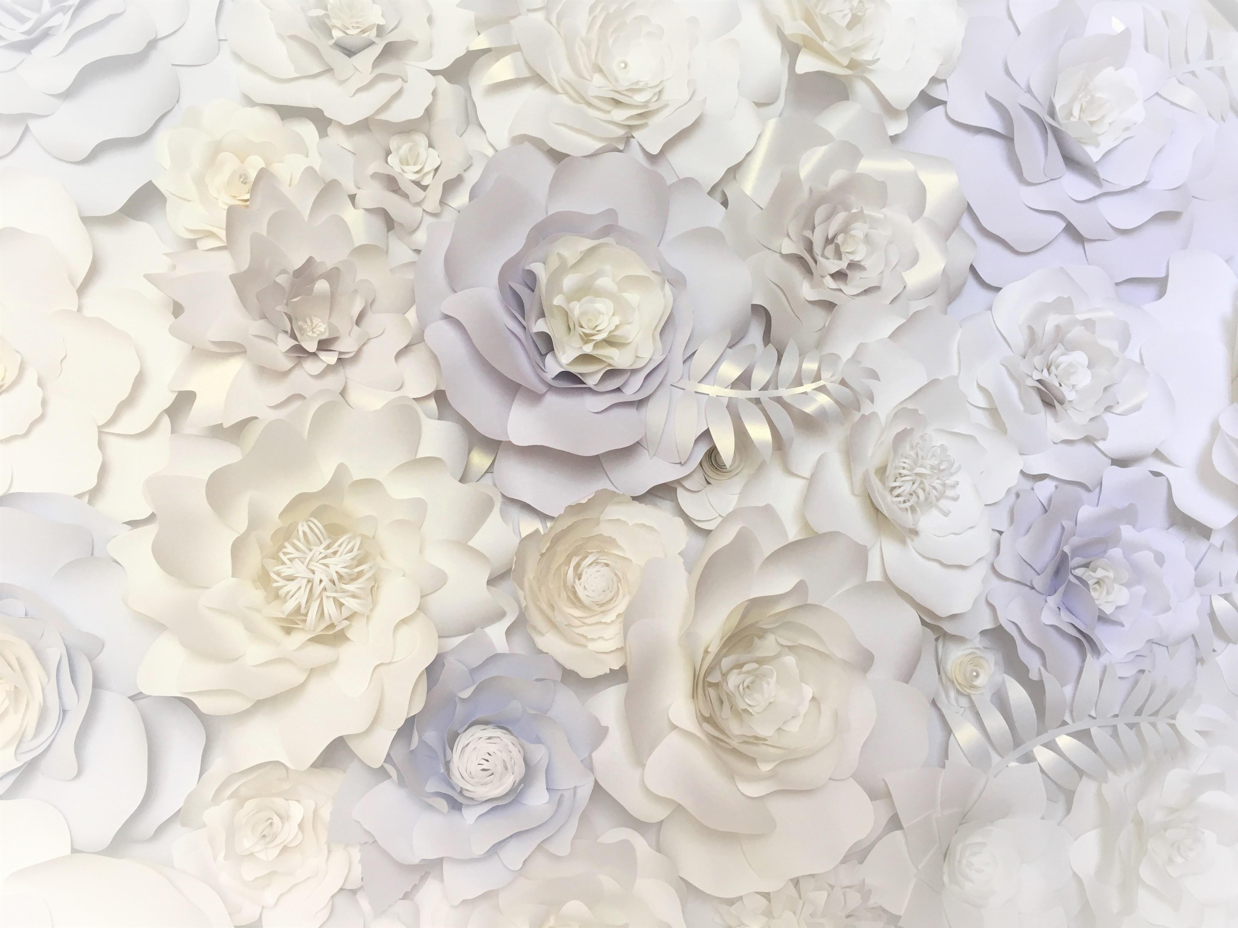 Mara Liala Paper petals flower wall