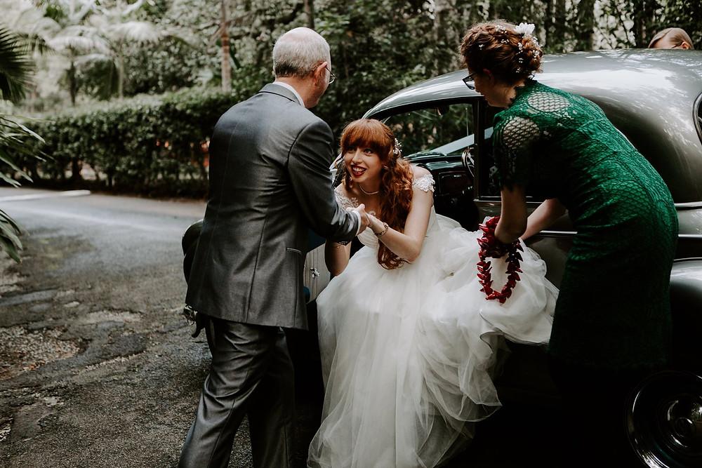 bride arrive venue pethers rainforest retreat wedding planner car