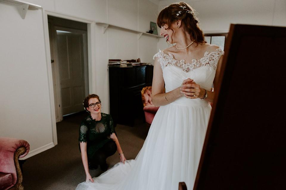 bride wedding planner dress