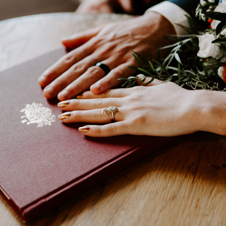 Changing your name in Queensland after marriage: a comprehensive guide