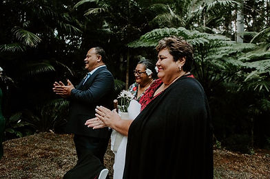 Groom Samoan family clapping wedding ceremony