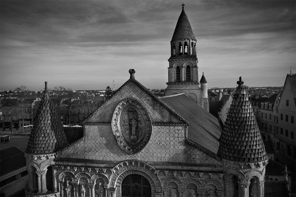 Notre Dame La Grande DJI_0807 N&B