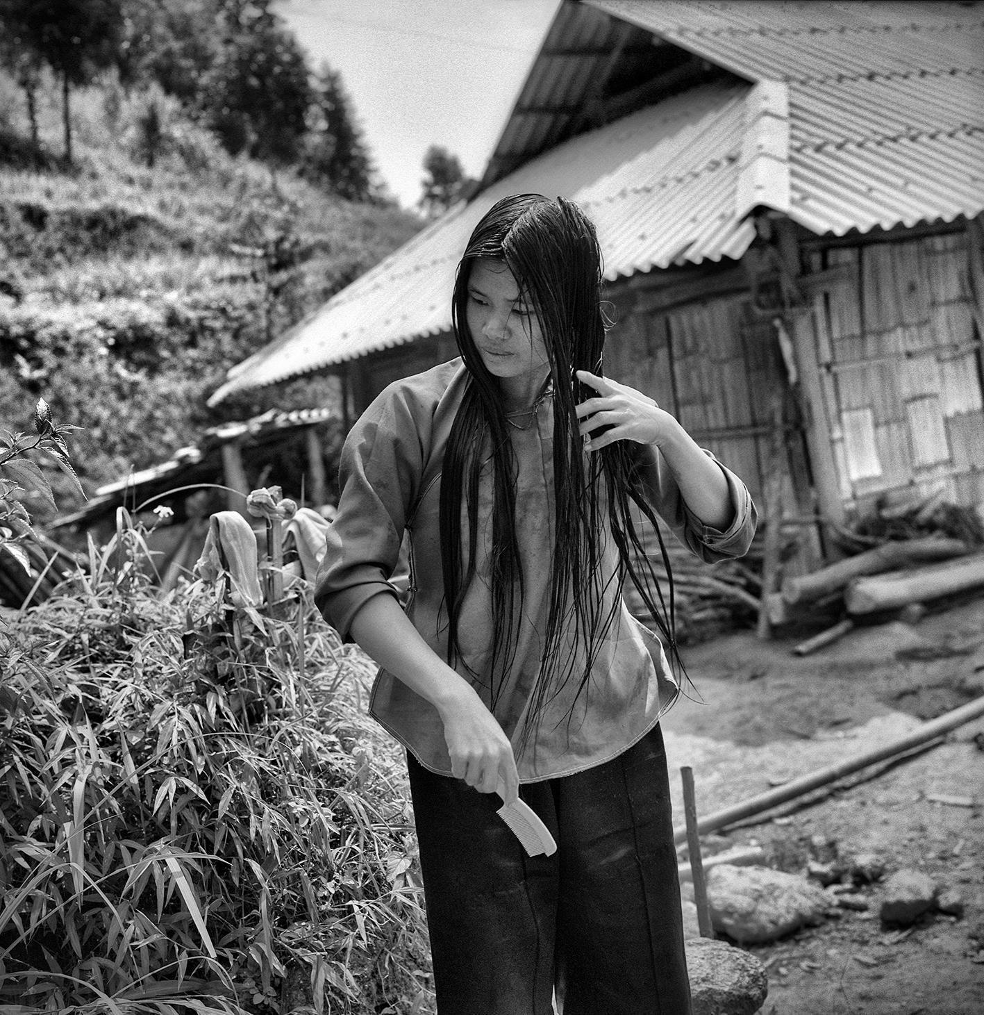 Jeune femme Nung 2013