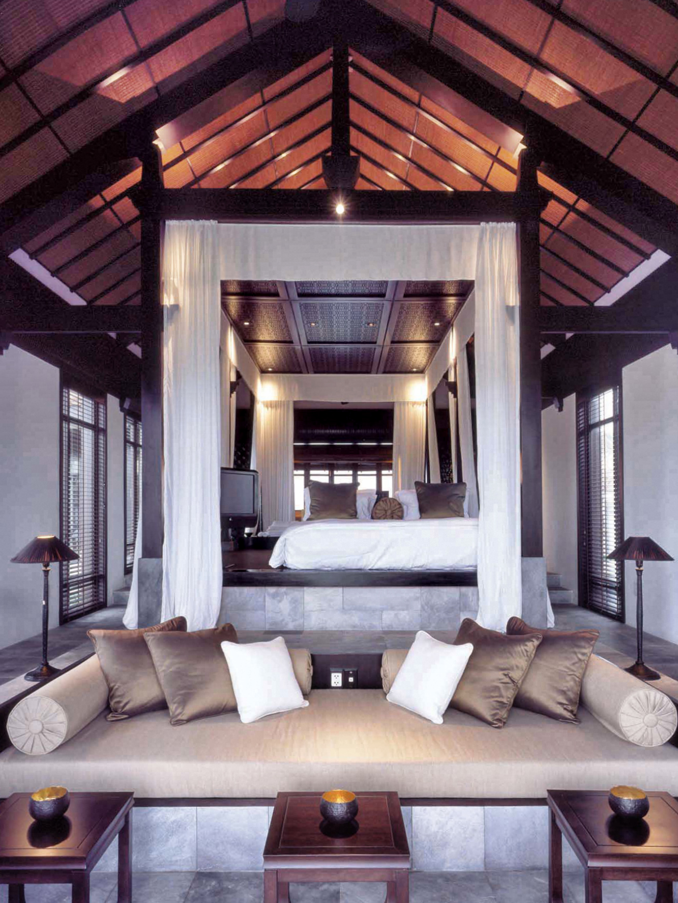 Nam Hai villa inter