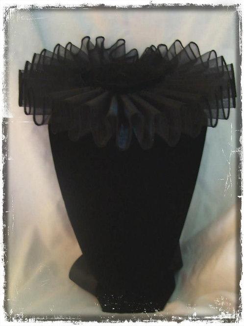 Black Elizabethan Neck Ruffle