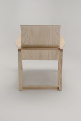 Serene-Easy-Chair_8_1280x1920_72dpi.jpg