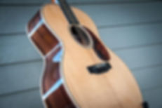 August Guitars