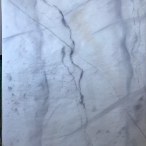 Faux marbre : BLANC VEINÉ